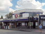 Ealing Common Tube Station